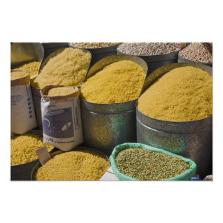 Droge deegwaren en bonen voor verkoop, Marrakech,  Poster
