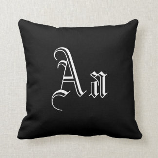 Dubbel een Monogram in Zwart-witte I Decoratie Kussens