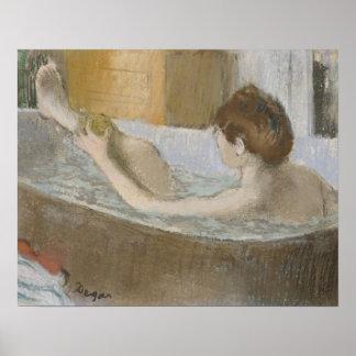 Edgar Degas | Vrouw in haar Bad, die haar Been Poster