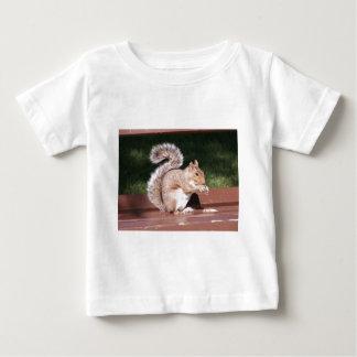 eekhoorn baby t shirts