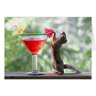 Eekhoorn die een Cocktail drink bij Gelukkig Uur Kaart