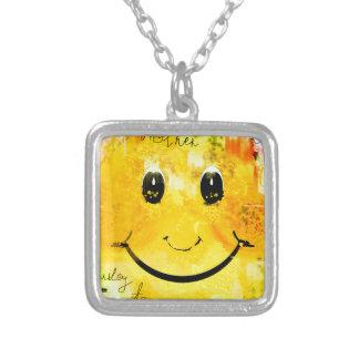 Een ander enkel smileygezicht ketting vierkant hangertje