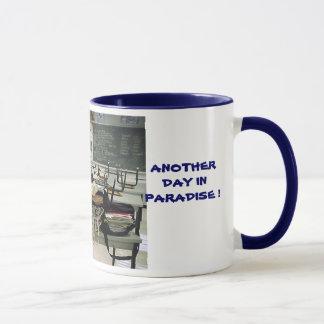 EEN ANDERE DAG IN PARADIJS!  Mok