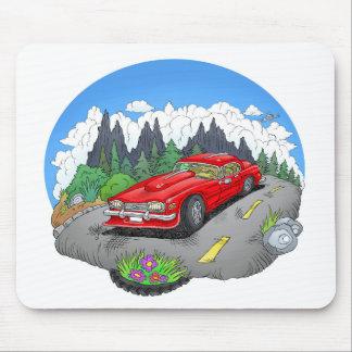 Een cartoonillustratie van een auto muismat