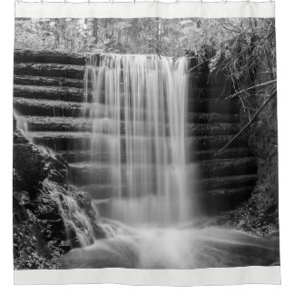 Een dam van Douglas Douchegordijn