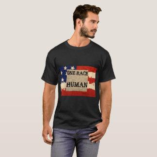 Één Mens van het Ras T Shirt