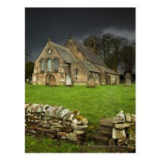 Een oude Kerk onder een Donkere Hemel Briefkaart