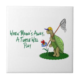 Een schildpad zal spelen keramisch tegeltje