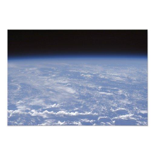 Een schuin horizonuitzicht van de Aarde atmosphe Footprint