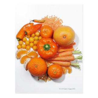 Een selectie van oranje vruchten & groenten briefkaart