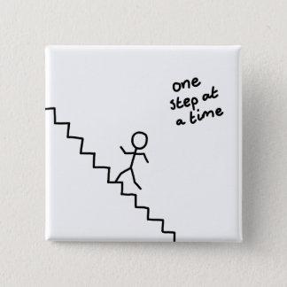 """""""één stap tegelijkertijd"""" stickman op de vierkante button 5,1 cm"""