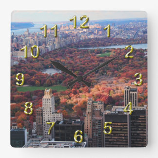 Een uitzicht van bovengenoemd: De herfst in Vierkante Klok