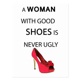 een vrouw met goede schoenen briefkaart