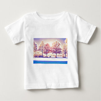 Een wandeling in het bos baby t shirts