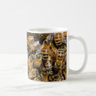 Een zwerm van Bijen! de Klassieke Witte Mok van