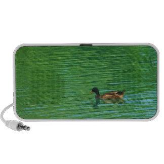 Eend die op de Spreker van de Vijver zwemmen iPod Speaker