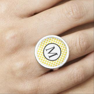 Eenvoudig Monogram met Gele Stippen Foto Ringen