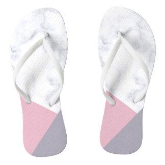 elegante witte marmeren pastelkleur roze paarse teenslippers