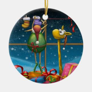 Elf die omhoog Kousen hangen Rond Keramisch Ornament