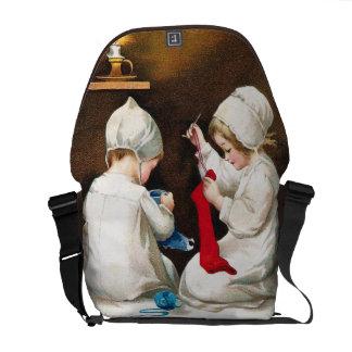 Ellen H. Clapsaddle: Meisjes die Kousen stikken Courier Bag
