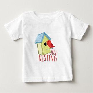 Enkel Nestelend Baby T Shirts