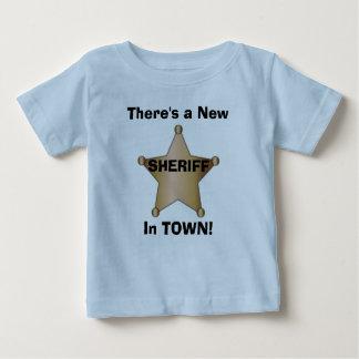 Er is een Nieuwe Sheriff in STAD! Baby T Shirts