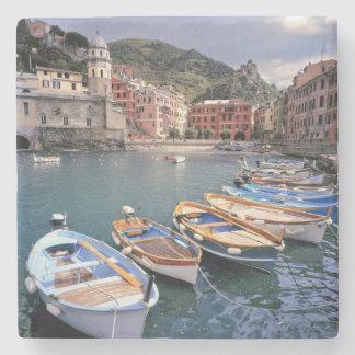 Europa, Italië, Vernazza. Helder geschilderde Stenen Onderzetter