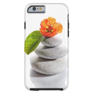 Evenwichtige stenen en rode bloem tough iPhone 6 hoesje