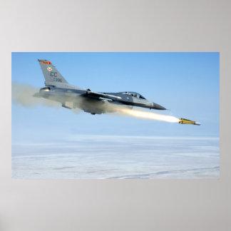 F-16 steekt een Raket van de Non-conformist in bra Poster