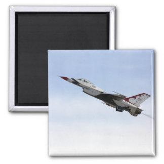 F-16 Thunderbird tijdens de vlucht Magneet
