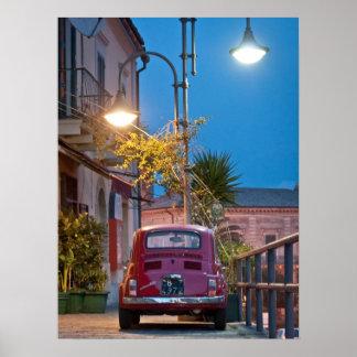 Fiat 500, vintage cinquecento, bij nacht, Italië Poster
