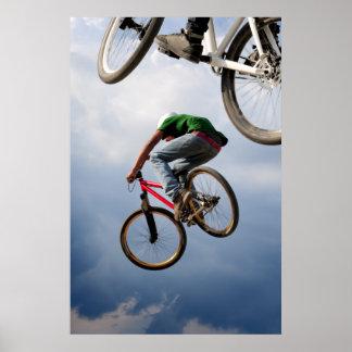fietsen in de lucht poster