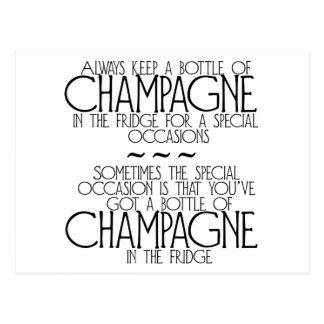 Fles Champagne in het Briefkaart van de Koelkast