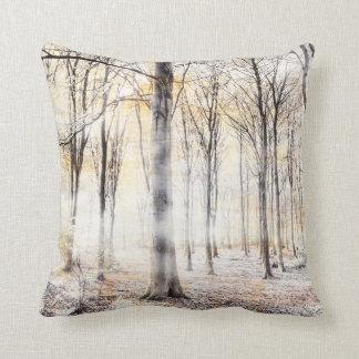Fluisterend bos in de herfstherfst sierkussen