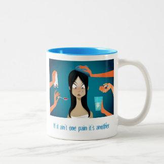 FMS: Als het niet Één Pijn is is het een andere Tweekleurige Koffiemok