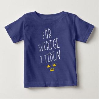 För Sverige i het Zweedse Overhemd van het T-shirt