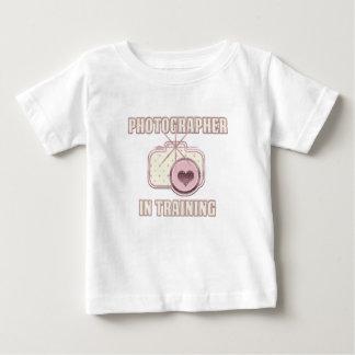 Fotograaf in het Roze van de T-shirt van de