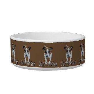 Fox-terrier en het Bruine Logo van de Fox-terrier, Voerbakje