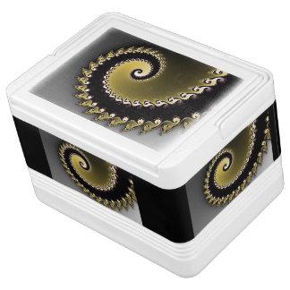 Fractal. Goud, zwart zilver, Igloo Koelbox