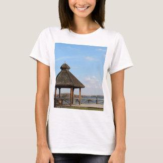 Gazebo over Meer T Shirt