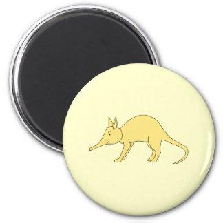 Geel Aardvarken. Het leuke Dier van de Cartoon Ronde Magneet 5,7 Cm
