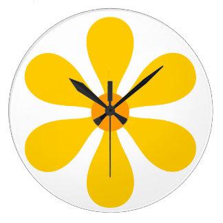 Geel flower power - grote klok