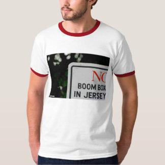 """""""Geen Doos van de Boom in Jersey"""" - het T-shirt"""