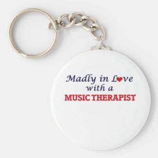 Gek in liefde met een Therapeut van de Muziek Basic Ronde Button Sleutelhanger
