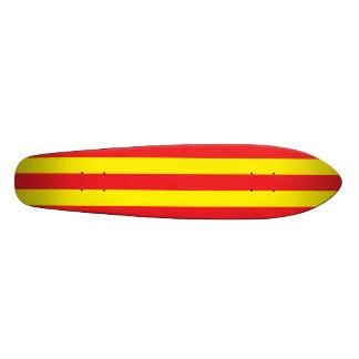 Gele en Rode Verticale Strepen Skate Decks