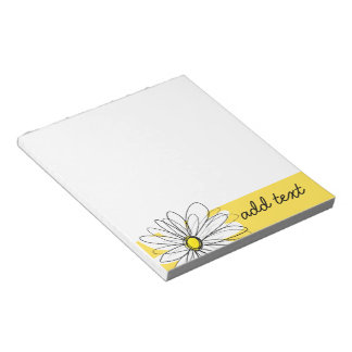 Gele en Witte Capricieuze Daisy met de Tekst van Notitieblok