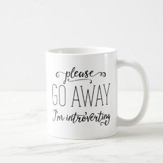Gelieve te gaan weg ik ben Introverting Koffiemok