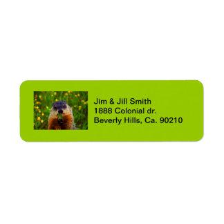 Gelukkige Dag Groundhog die Bloem eten Etiket