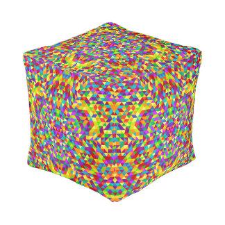 Gelukkige driehoeksmandala 2 poef