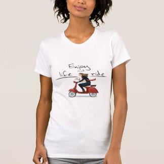Geniet het leven en ritvespa van T-shirt